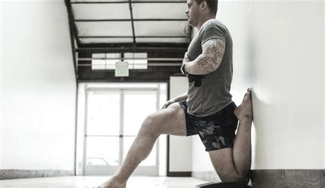 knee pain when sitting to standing position test eye