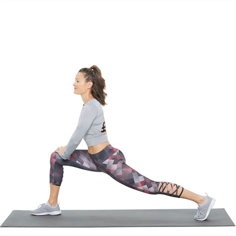 kneeling hip flexor stretch foot elevated lunge exercise for runners