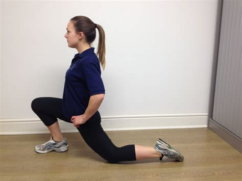 kneeling hip flexors stretch and exercise