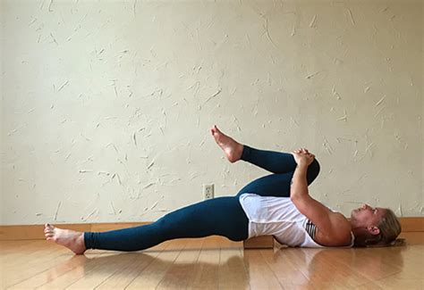 laying on back hip flexor stretch video height