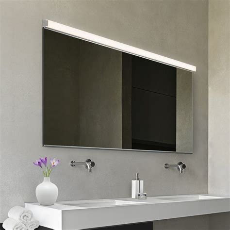 LED Slim 1-Light Bath Bar