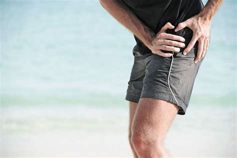 left leg hip pain when walking