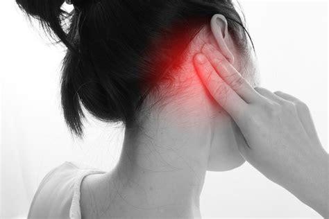 left side of neck under ear hurts