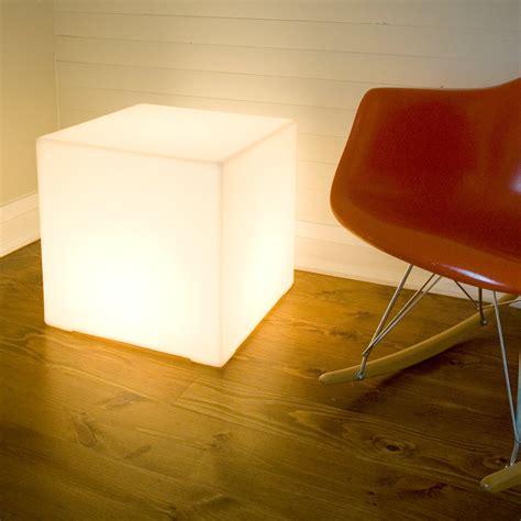 Lightbox 18 Floor Lamp