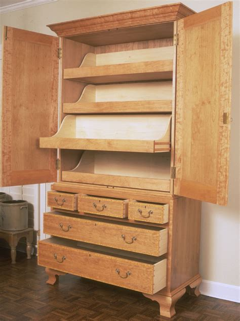 Linen Press Cabinet Woodworking Plans