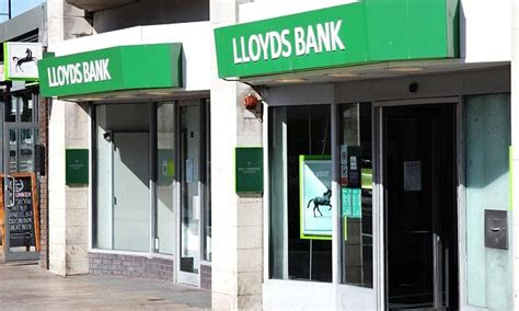 Bank Of America Global Credit Card Lloyds Snaps Up Credit Card Firm Mbna For 19bn From Bank