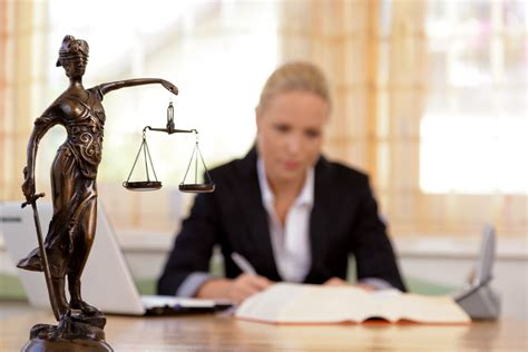 Commercial Lawyer London Ontario London On Commercial Litigation Lawyers Attorneys