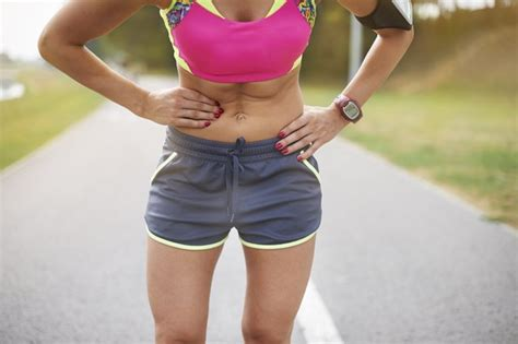 lower abdominal pain right side after running
