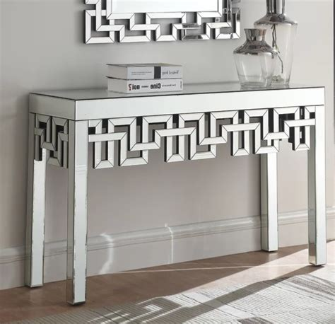 Luong Console Table