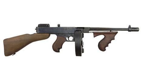 Tommy-Gun M Tommy Gun.