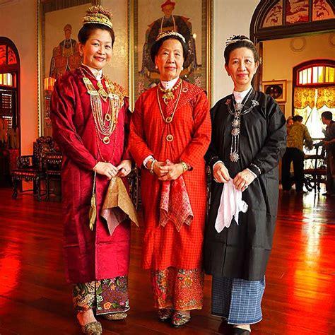 Court Attire Malaysia Malaysian Cultural Outfits Wikipedia