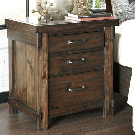 Mattalyn 3 Drawer Nightstand