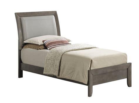 Medford Upholstered Panel Bed byLatitude Run