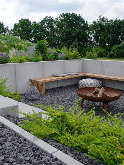 Moderne Feuerstelle Garten