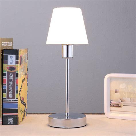 Mooi Gevormde Tafellamp Sascha Met Glazen Kap