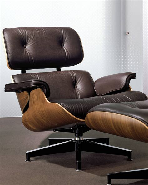 Mountain Home Lounge Chair and Ottoman
