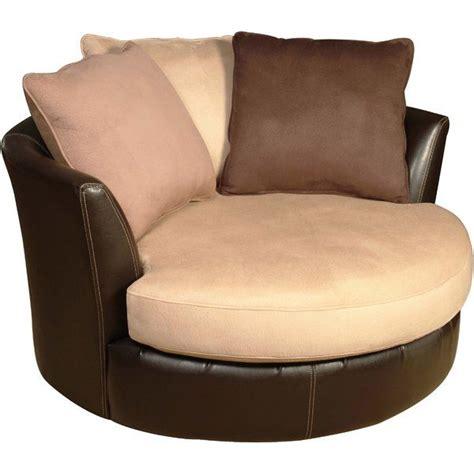 Newport Elegant Barrel Chair