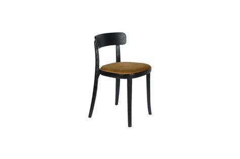 Ockerfarbener Stuhl
