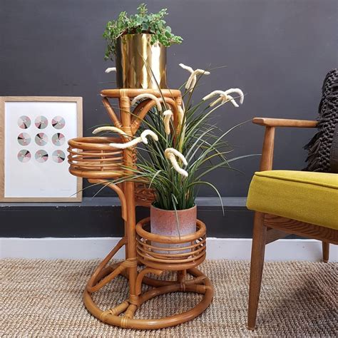 Orpha Pedestal Plant Stand