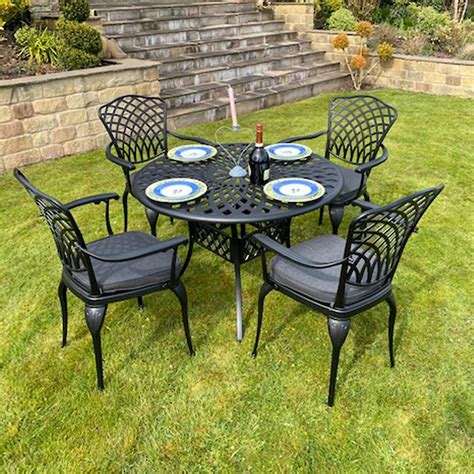 Outdoor Table And 4 Chairs