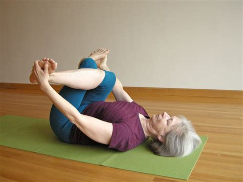 outer hip stretch yoga video