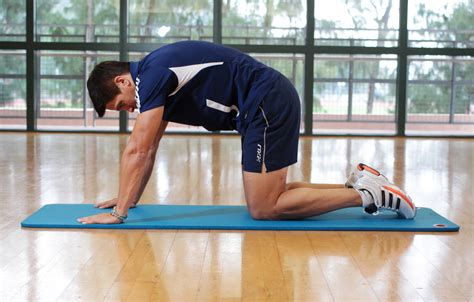 pain in hip flexor when lifting leg up while eaten alive