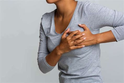 pain on left hand side of chest under breast