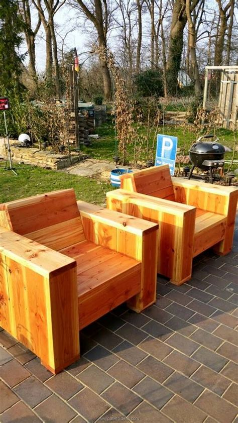 Pallet Lawn Chairs