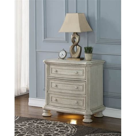 Piland 3 Drawer Nightstand USB