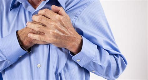 pinching pain on left side of chest while breathing
