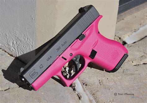 Main-Keyword Pink Glock.