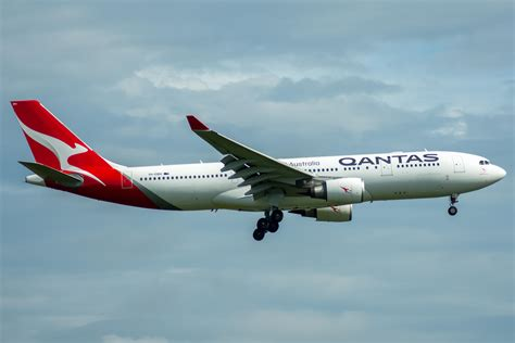 Qantas frequent flyer credit card for business credit card qantas frequent flyer credit card for business frequent flyer business credit cards to earn reward points reheart Images