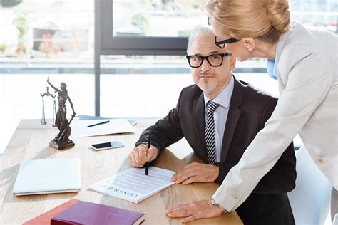 Commercial Lawyer Description Real Estate Lawyer In Downtown Toronto