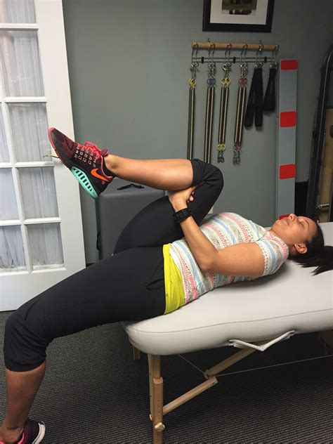 right side hip flexor pain stretches