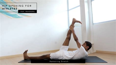right side hip pain when stretching hamstrings