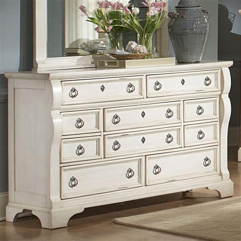 Rosehill 10 Drawer Dresser byLark Manor