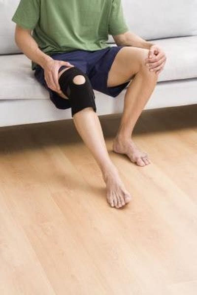sharp pain in upper thigh groin area