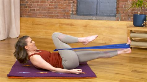 signs of tight hips yoga emotions resistance