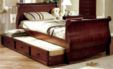Sleigh Bed with Twin Trundle byDonco Kids