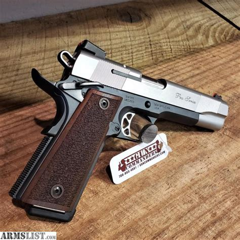 Smith-And-Wesson Smith And Wesson 1911 For Sale In Canada.