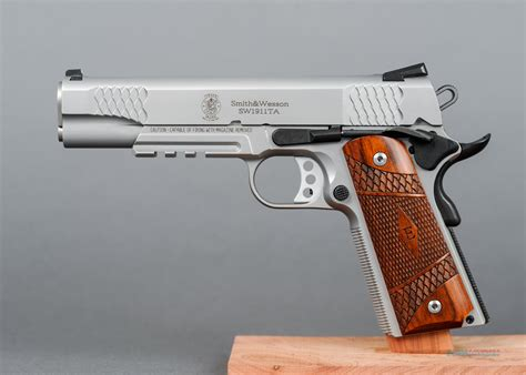Smith-And-Wesson Smith And Wesson 1911ta.