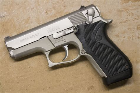 Smith-And-Wesson Smith And Wesson 6906 For Sale.
