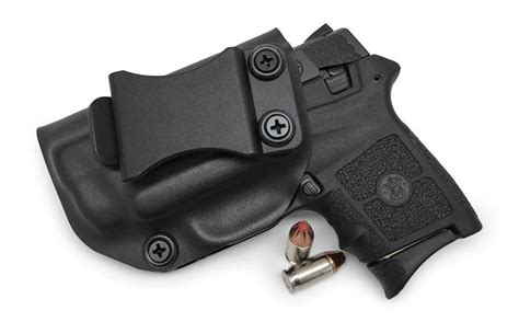 Gun-Shop Smith And Wesson Bodyguard 380 With Laser Concealed Holster.