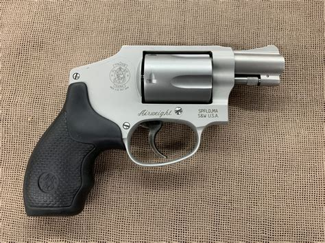 Smith-And-Wesson Smith And Wesson Model 642 2.