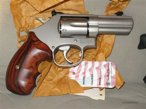 Smith-And-Wesson Smith And Wesson Performance Center Model 66.