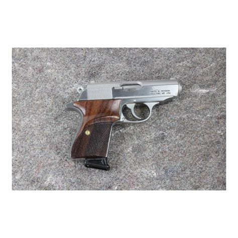 Smith-And-Wesson Smith And Wesson Ppk Grips.