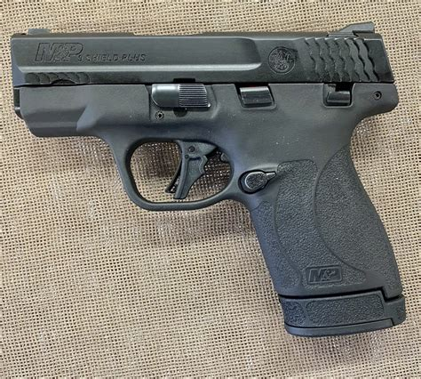 Smith-&-Wesson Smith And Wesson Shield.