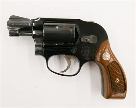 Smith-And-Wesson Smith N Wesson 38 Model 18524.