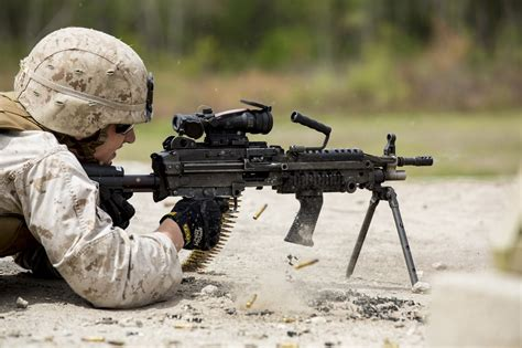 Main-Keyword Squad Automatic Weapon.
