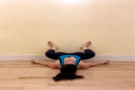 stretching hip flexors before squats after squats streche